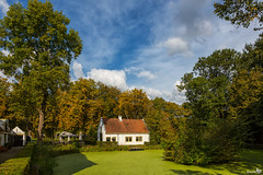 Cottage (BraCom (Bram)) Tags: bracom cottage huisje trees bomen castlerhoon kasteelrhoon pond vijver kroos duckweed shadows schaduw cloud wolk tree boom autumn herfst fall wolken clouds rhoon zuidholland nederland southholland netherlands holland canoneos5dmkiii canon canonef24105mm bramvanbroekhoven nl