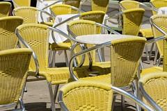 010_Flickr Nah Dran.jpg (stefan.mohme) Tags: gelb tische venedig grundfarben jahreszeiten gegenstaende kroatien nachtaufnahme farbig iitalien licht stuehle sommer 999 yellow