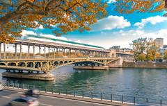 pont de bir-hakeim paris (Joris Vanbillemont) Tags: paris france bridge autumn fall pont birhakeim hakeim metro blurr travel