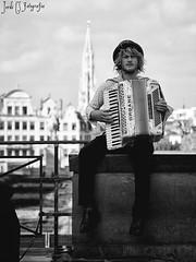 Live in Brussels (Jordixot) Tags: brussels bruselas street music musician photography live