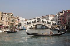 Ponte Rialto (My Italian Sketchbook) Tags: venice italy outdoor landscape venezia italia canal grande grandcanal canalgrande water gondolier gondoliere
