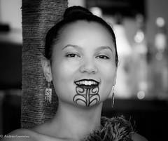 Maori Woman (Andrs Guerrero) Tags: bayofplenty blackwhite blackandwhite blancoynegro chica girl islanorte maori maoritatoo maorivillage mitai mitaivillage monochromatic monochrome monocromatico monocromo mujer newzealand nuevazelanda portrait retrato rotorua tatoo tatuaje tatuajemaori woman oceania oceana maor monocromtico ethnic tnico etnico etnias etnia bokeh