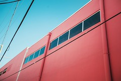 (zumponer) Tags: canon canon5dmarkii sky windows color palmbeach florida magenta red building