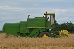 John Deere 955 Combine Harvester cutting Winter Barley