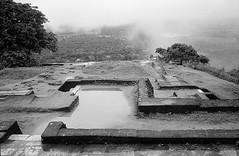 Sigiriya Sri Lanka (Alexandre Moreau/Hydroquinone) Tags: bw cloud film rock analog bessa d76 srilanka fortress sigiriya r2m epson700 alexandremoreau