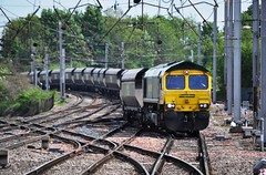 Freightliner's 66595 is approaching Carlisle. (Raymondo166) Tags: station train diesel citadel no railway 66 class locomotive carlisle hopper approaching freightliner hxa 66595