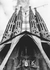 Sagrada Famlia (BoXed_FisH) Tags: barcelona old travel church beautiful amazing spain grand sagradafamlia antonigaud nikonflickraward