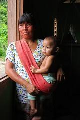 ndia Xirixana e seu filho (MarceloCamachobv) Tags: wild brazil people southamerica brasil pessoas amazon wildlife indian roraima indgena selvagem amricadosul amaznia antropologia