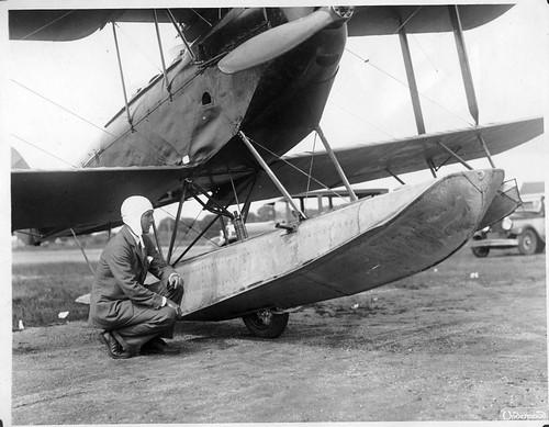 AL009B_205 Grover Loening with de Havilland DH-60X Moth cn 547 NC5359