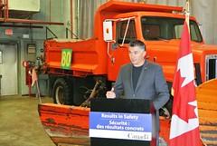 Le gouvernement du Canada investit dans la sécurité à l'aéroport de St. Andrews (Transports Canada) Tags: selkirk interlake jamesbezan