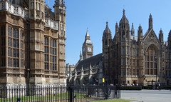 Henry VII Lady Chapel (left), Elizabeth Tower (center) and Westminster Hall (right)