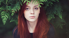 Julia (Jan Hendrik Henze Fotografie) Tags: red portrait beauty forest hair photo model portrt emotional bild wald vignette