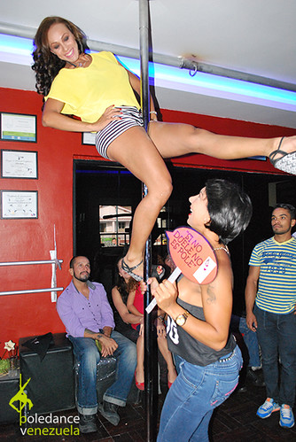 """Inauguración Elektra Pole Dance • <a style=""""font-size:0.8em;"""" href=""""https://www.flickr.com/photos/79510984@N02/17425459200/"""" target=""""_blank"""">View on Flickr</a>"""