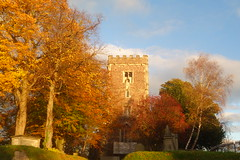 St Woolos in Autumn (Dave Roberts3) Tags: wales gwent newport church cathedral stwoolos autumn fall building leaf leaves coth