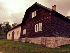 Granny's house (Photogioco) Tags: romania bran poianabrasov skiresort house new traditional