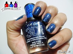 Brilliant Blue - L. A. Girl (Raabh Aquino) Tags: unhas esmalte hologrfico azul holographic blue nails brilliant scattered