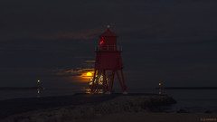 Super Moon (whistlingtent) Tags: super moon river tyne north shields dfds ferry amsterdam tynemouth south pier clouds seascape landscape groyne lightburst red