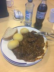 Lunch 19/11 (Atomeyes) Tags: mat köttgryta potatis bröd cocacola vatten bjerke