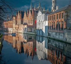 Boat ride in Bruges (Dan Guimberteau) Tags: bruges belgium canal water boat tourism tourist nikon d90