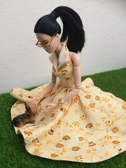 Barbie Made To Move Yellow Dress (jenniffervalverde) Tags: ooak barbie madetomove doll scale16 dress yellow diorama poppyparker