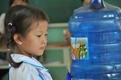 USAID supports deworming education and medication distribution in Bac Giang Province (USAID Vietnam) Tags: school usaid children vietnam health iec bac giang deworming