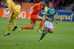 P7033468 (roel.ubels) Tags: sport nederland voetbal oranje zuid noord knvb ierland velsen oefenwedstrijd 2013 vrouwenvoetbal