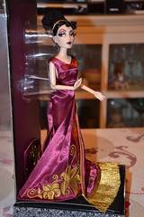 Mre Gothel Designer Doll 10375 / 13000 (MissLilieDolly) Tags: bag doll designer mother disney collection pascal dolly miss rider rapunzel lilie villains maximus flynn mre 13000 eugne fitzherbert gothel 10375 raiponce missliliedolly