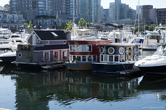 Vancouver waterfront (Zorro1968) Tags: ocean vancouver marina waterfront houseboat