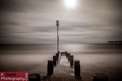 Bognor long exposures-9.jpg (kevaylett) Tags: longexposure sea beach boats sussex pier movement fishing sand stones elmer bognorregis weldingglass bognorregispier daytimelongexposure