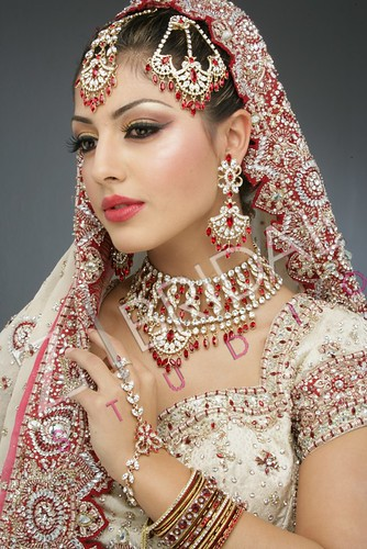 "Z Bridal Makeup 45 • <a style=""font-size:0.8em;"" href=""http://www.flickr.com/photos/94861042@N06/13904624274/"" target=""_blank"">View on Flickr</a>"