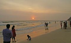 Varkala_sunset_5856 (Manohar_Auroville) Tags: sunset sea sun india beach beauty birds kerala varkala manohar luigifedele