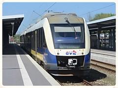 EVB, VT 111 (648 695-4) (v8dub) Tags: railroad station train germany deutschland gare eisenbahn railway zug bahnhof loco evb 111 locomotive bahn hbf allemagne treno bf bremerhaven vt trein lokomotive lok privat niedersachsen privatbahn triebwagen autorail