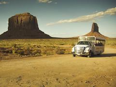 driving with John Ford (Jo-H) Tags: monumentvalley americanwest butte caravan utah navajo