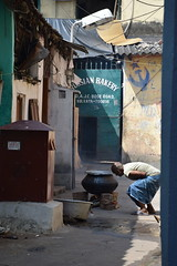 Outdoor cooking (victoriaei) Tags: kolkata october streetscenes russianbakery cooking fire cook india calcutta travel d5300 indianstreetphotography streetphotography asia nikon