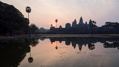 Sunrise in widescreen (abbobbotho) Tags: cambodia bg angkorwat krongsiemreap siemreapprovince kh