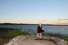048/365 - Sometimes walls are useful (Dale Miller) Tags: 365days selfportrait lake wall wah