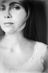 Selbstportrait-DSC_0043ilfordFL (Eva Sonitza) Tags: selbstportrait selfportraiture moderneportraitfofografie modernportraits blackwhite schwarzweis vintage