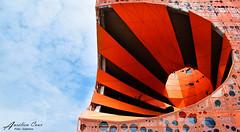 Quand le soleil se joue du ciel (aurelcaux) Tags: abstract architecture urban btiment structure abstrait diagonale gomtrique infrastructure lignes motif poutre orange lyon modern sun sky