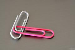 Sangtrat - El vol de l'home ocell (vdbdc) Tags: paper clip concept