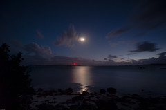 Moonlight Bay (derriesen) Tags: gelb moon night scilly nikondf 1024 sky bay