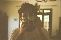autoDiogo1 (dvasconcellos27) Tags: exakta zeiss slr analog filmisnotdead filmisalive filmphotography kodak colorplus capucho selfportrait riodejaneiro brasil brazil