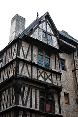 9 - Bayeux, Rue Saint-Martin, Faade - Dtail (melina1965) Tags: normandie calvados bayeux octobre october 2016 nikon d80 faade faades fentre fentres window windows colombage colombages halftimbering halftimberings