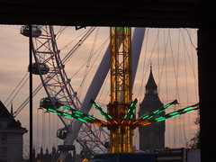 Southbank Centre's Winter Festival - Star Flyer, London Eye and Big Ben (ell brown) Tags: southbank lambeth londonboroughoflambeth london greaterlondon england unitedkingdom greatbritain southbankcentre southbankcentreswinterfestival christmasmarket sbwinterfest southbankchristmasmarketandfunfair artscouncil natwest artscouncilengland lotteryfunded jubileegardens starflyer funfairride chairoplanes swingcarousel tree trees sunset londoneye thelondoneye milleniumwheel merlinentertainmentslondoneye housesofparliament houseofcommons houseoflords bigben elizabethtower concerthallapproach belvedererd palaceofwestminster