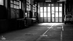 Urban Selection (Ukelens) Tags: ukelens schweiz swiss switzerland suisse svizzera schwarzundweiss schwarzweiss blackandwhite urban street streetphotography li licht lichter lichteffekt lichteffekte lightroom light lights lighteffects lighteffect shadow shadows contrast kontrast