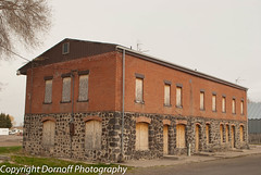 Abandoned Delco Hotel (Dornoff Photography) Tags: brick abandoned architecture hotel nikon closed idaho smalltown d60 delco nikond60 ushighway30 declohotel idahohighway81 idahohighway77