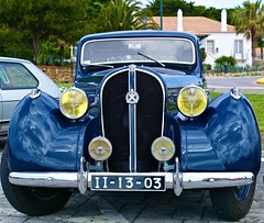 leica blue portugal cc carros creativecommons cascais coches 1937 hotchkiss voituresanciennes thecontinuum worldcars leicam9 automóveis carrosemportugal hotchkiss864 automobilesfrançaises