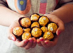 yum! (Sarah Messina) Tags: flowers blue winter light italy orange dog brown white snow black flower tree verde green primavera girl beautiful yellow cane puppy lights spring eyes pretty chocolate occhi giallo snowing parma fiori fiore inverno bianco ferrero cioccolato rocher ragazza cucciolo cioccolatino
