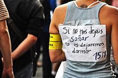 Si no nos dejáis soñar... (12 de mayo - Democracia Real Ya - #12mbcn #12m15m #12mglobal #12mNonosvamos #15M ) (DAVD PEÑA PÉREZ) Tags: barcelona news photojournalism noticias catalonia revolution catalunya anonymous revolución journalism cataluña barcelone periodismo assamblea 15m asamblea plaçadecatalunya catalogne 12m revolució actualité fotoperiodismo photojournalisme plazadecataluña spanishrevolution noticies democraciarealya indignats indigados indignants guillotinarealya journaisme 12m15m