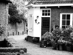 2013-05-19 [04] Wassenaar (Reinoud Kaasschieter) Tags: white black netherlands monochrome nederland zwart wit weiss wassenaar schwarz
