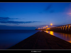 Seascape, breakwater, golfbreker (Tom Mrt) Tags: ocean nightphotography sea seascape evening coast pier seaside lowlight nightshot westvlaanderen coastline breakwater nieuwpoort nachtfotografie kust belgiancoast seasky avondfotografie lowlightphotography westkust nightocean eveningshot seaborder eveningscenery eveningocean coastborder